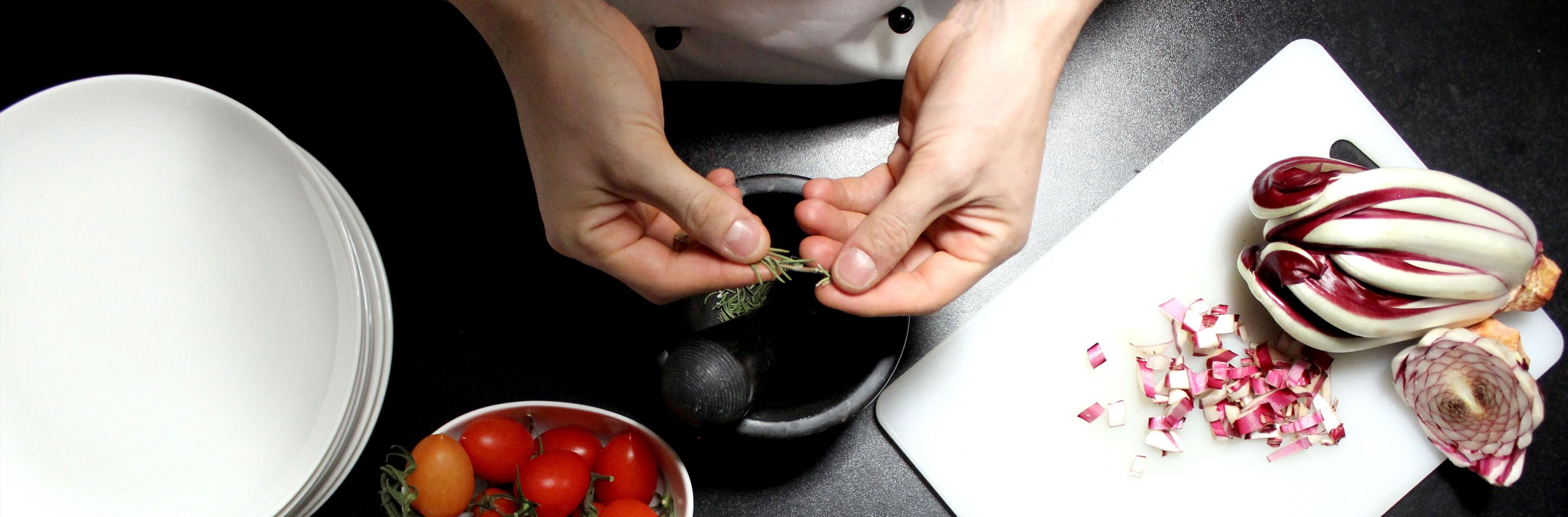 MAX&KITCHEN CATERING - chef a domicilio - cuoco a casa tua cuoco cucina cibo