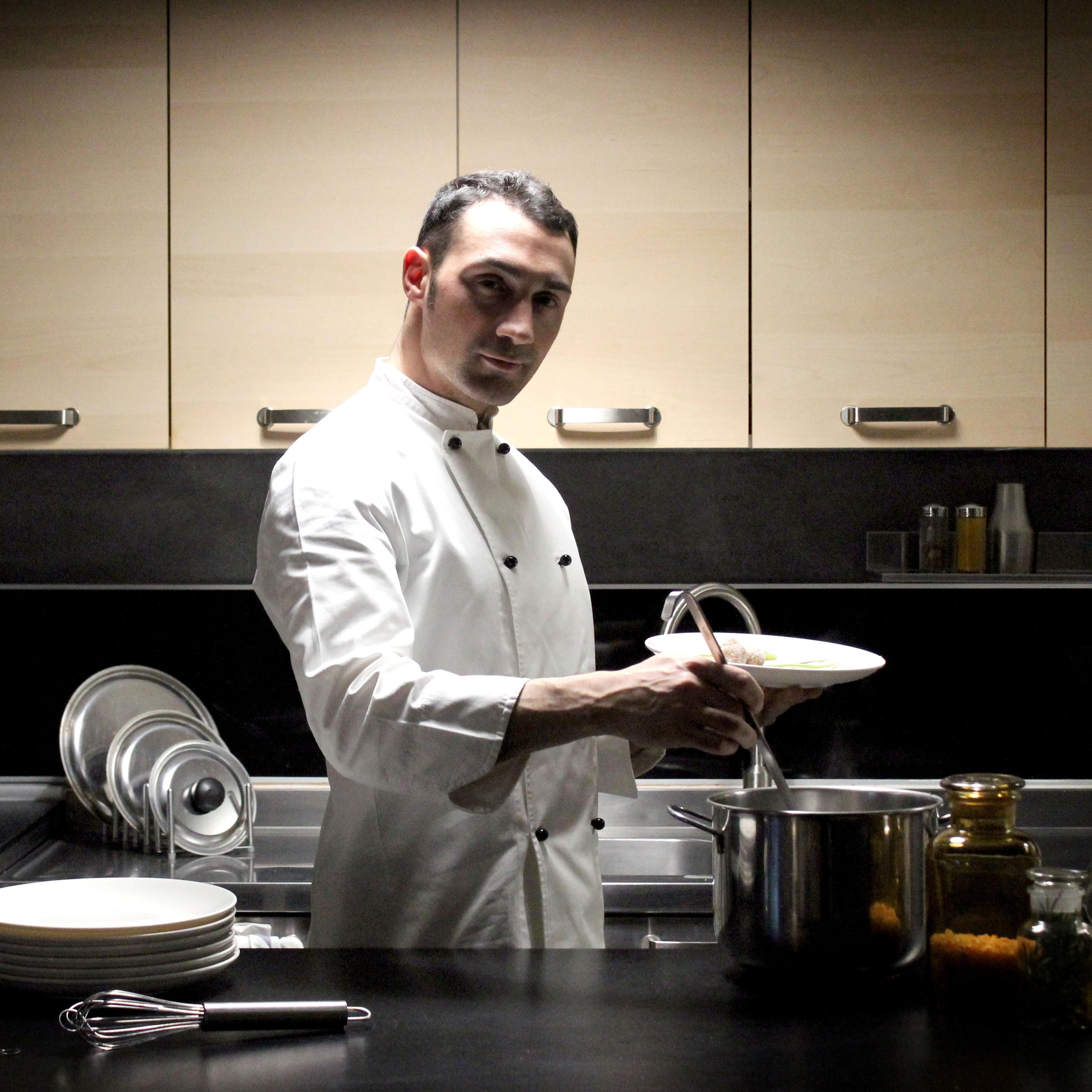 MAX&KITCHEN CATERING - chef a domicilio -chef at home cuoco a casa tua cuoco cucina cibo