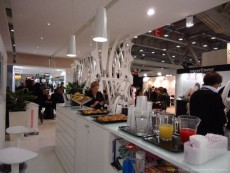 Allestimento buffet stand fiera Max&Kitchen catering