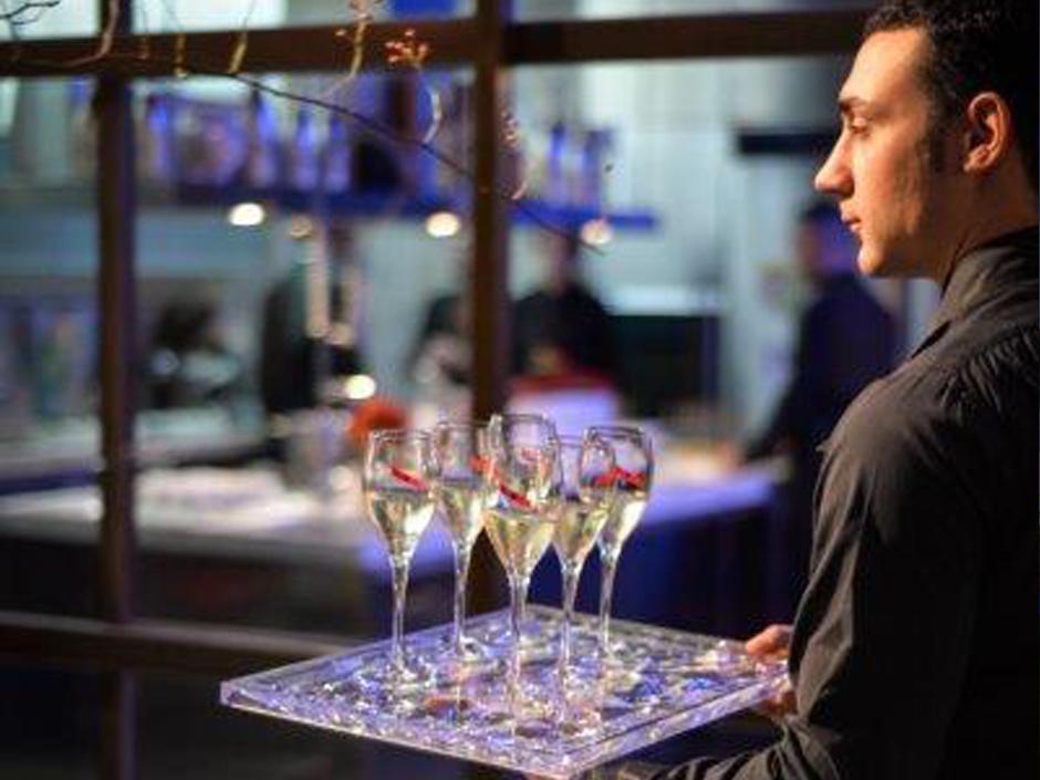 personale catering-scelto appositamente per le vostre esigenze, linguistiche e personali