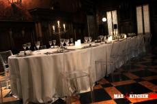 cena-di-gala-anni-30 mont blanc max&kitchen catering sottopiatto oro