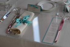 cena seduti wedding max&kitchen catering sottopiatto tiffany