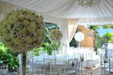 max&kitchen catering matrimonio wedding day, cerimonia sul lago rose bianche