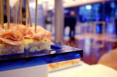 intel Max&kitchen allestimento cena di gala con colori del cliente