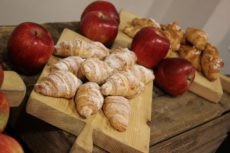 max&kitchen caffè biologico luce coffee break croissant bio