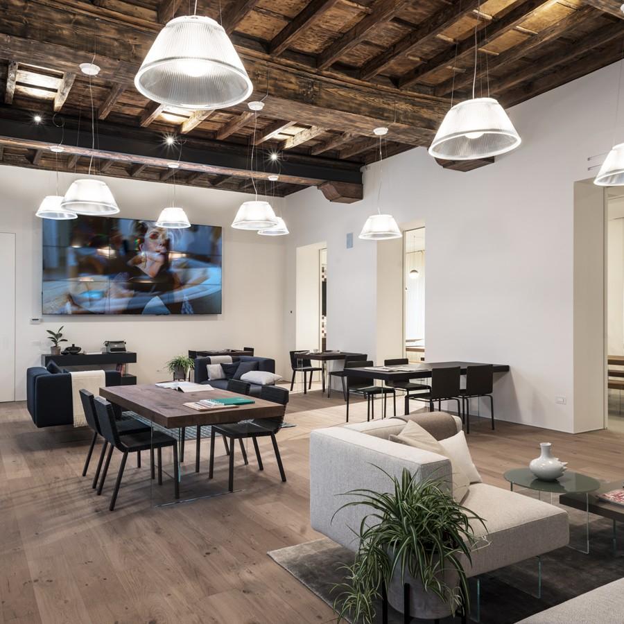 CASA LAGO salotto design catering milano location